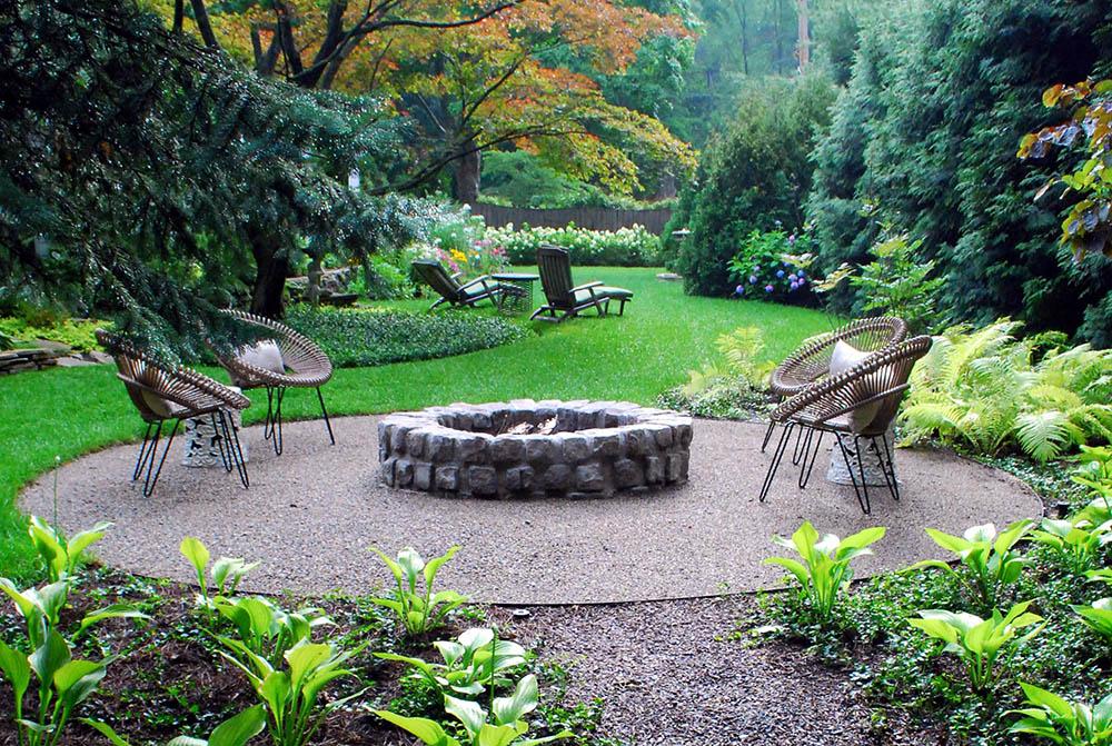 Κήπος σε καλοκαιρινή διακόσμηση.