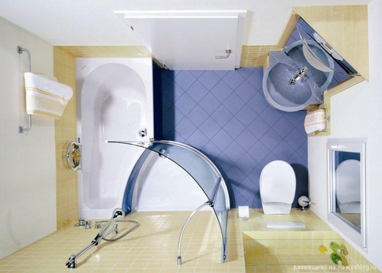 Διακόσμηση μπάνιου σε μπλε και κίτρινο χρώμα.